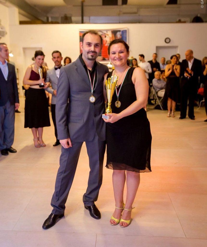 premiazione-1-posto-cristian-e-giovanna-sogni-di-tango